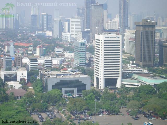 Джакарта вид со смотровой площадки монумента