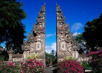 Храм на Бали главные ворота