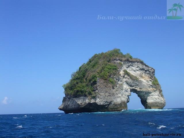 Чистое прозрачное и теплое море Бали