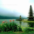 Храм Улун Дану на озере Братан Бали