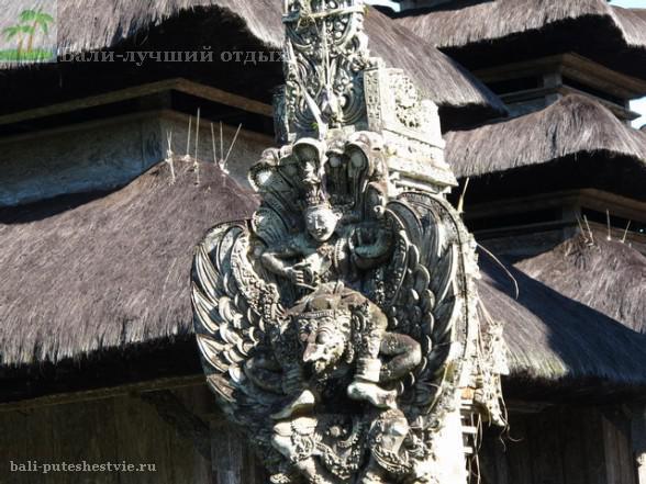 Общественного транспорта на Бали практически не существует