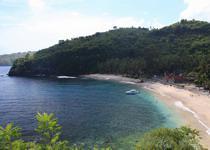 Пляж на Нуса-Пенидия Бали