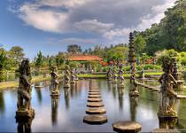 Водный дворец на Бали