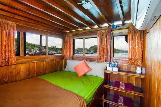 каюта с кондиционером судна повышенной комфортности тур на Комодо
