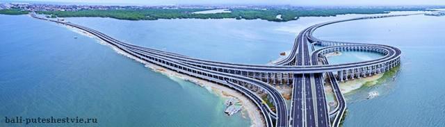Новая дорога очень красивая и протянулась над морем на расстояние 12.7 км