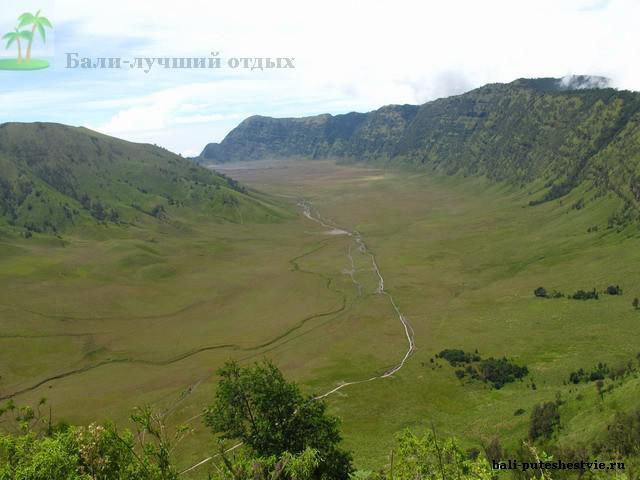 Кальдера древнего супервулкана - дорога на Бромо