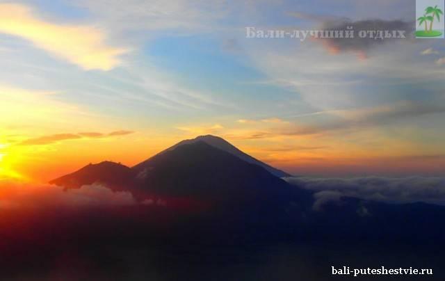 Встреча рассвета на вулкане Батур