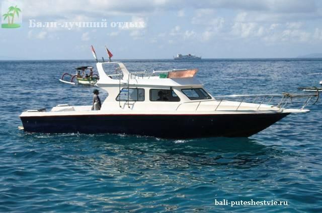 катер на троллинг на Бали
