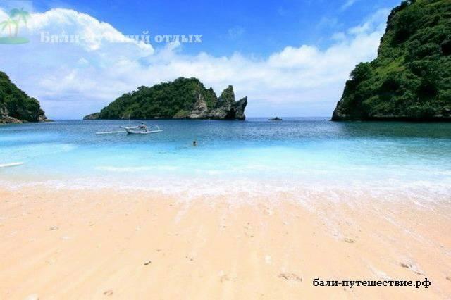 Пляж острова Нуса-пенидия