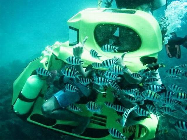 катание на подводном мотоцикле на Бали