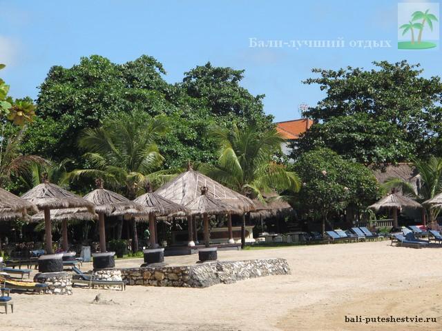 Пляж в Нуса-Дуа Бали