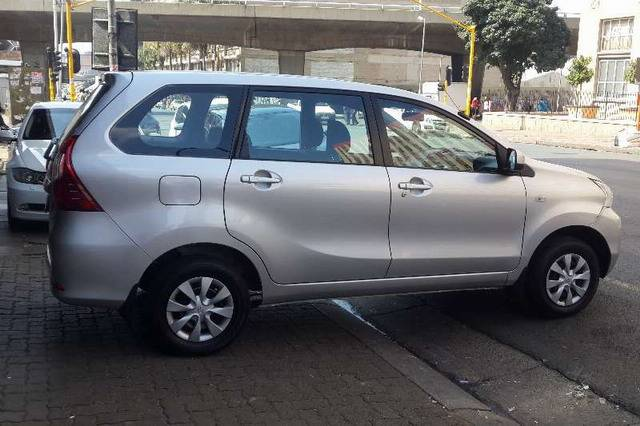 Аренда авто на Бали Тойота Аванза